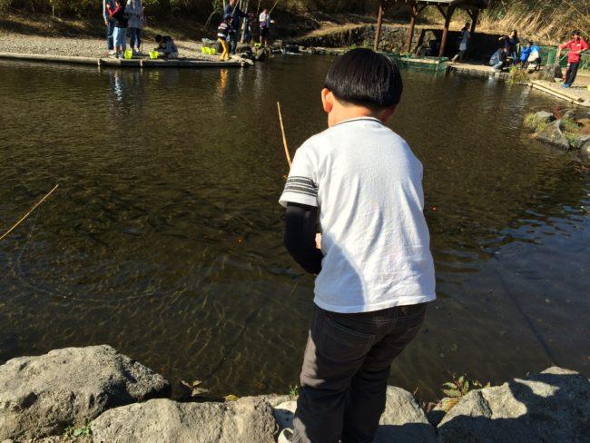 富士山こどもの国キャンプニジマス釣り