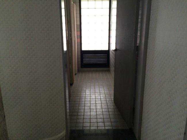 加太オートキャンプ場シャワー入口