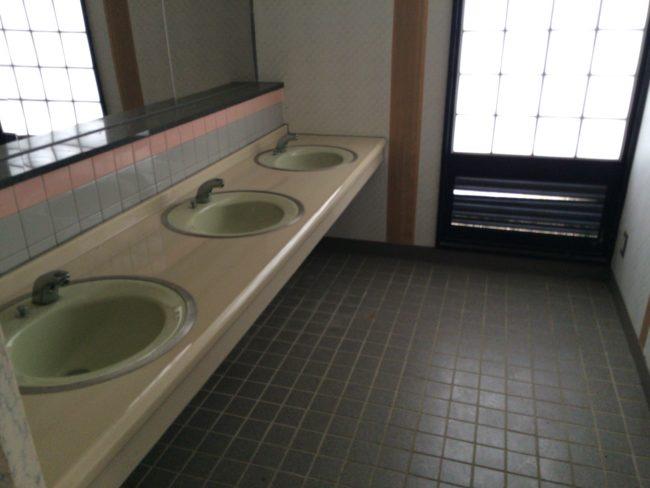 加太オートキャンプ場トイレ洗面