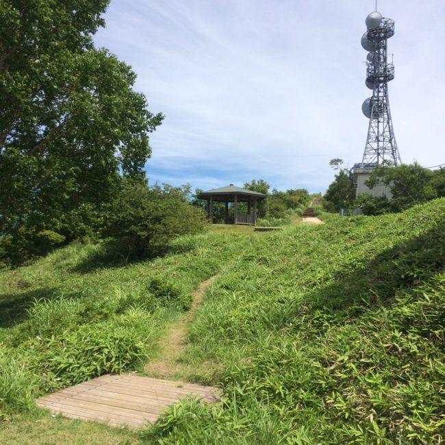 陣馬形山キャンプ電波塔