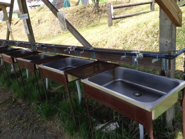 陣馬形山キャンプ水場