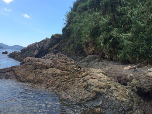 毛無島から霧崎海岸沿い