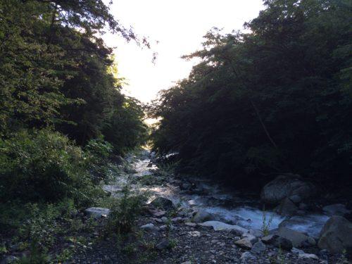 小黒川渓谷キャンプ場からの翌朝景色