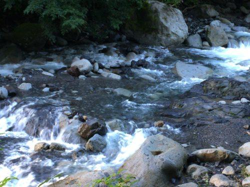 小黒川渓谷キャンプ場からの川
