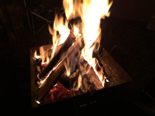 ファイアグリルラージで焚き火