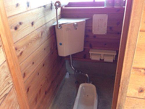 松之山キャンプ場トイレ和式