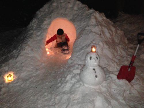 雪中キャンプの必需品