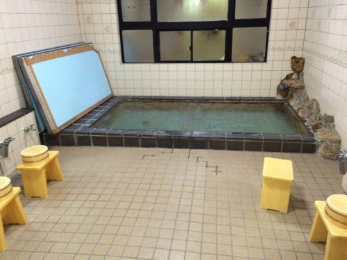 神之川キャンプ場 お風呂浴室内写真