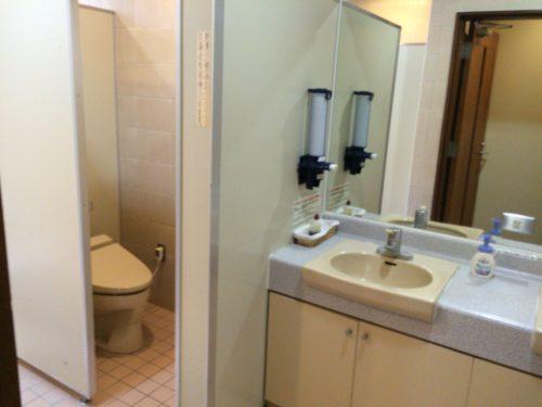 内浦山県民の森オートキャンプ場せせらぎの洋式トイレ