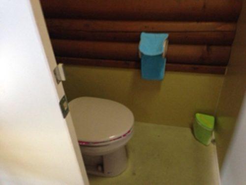 新治ファミリーランドトイレ個室