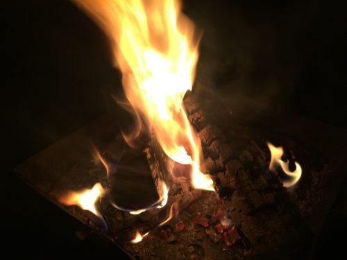 三王山ふれあい公園オートキャンプ場 たき火