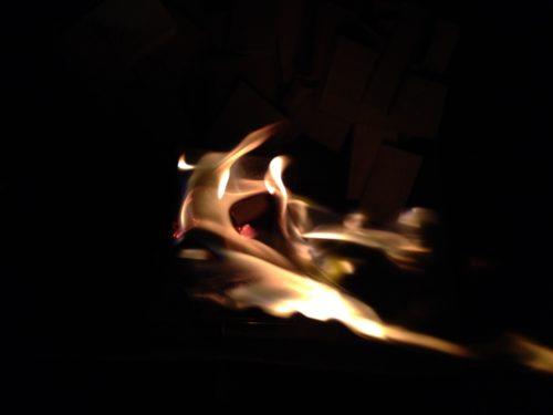 梓水苑キャンプ場・松香寮オートキャンプ場 で焚き火