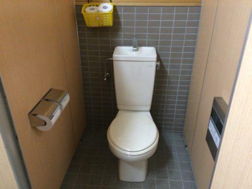 みどりの村キャンプ場トイレ個室