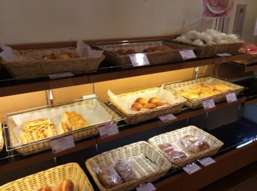 デルフリ村のパン屋さん のお店の中
