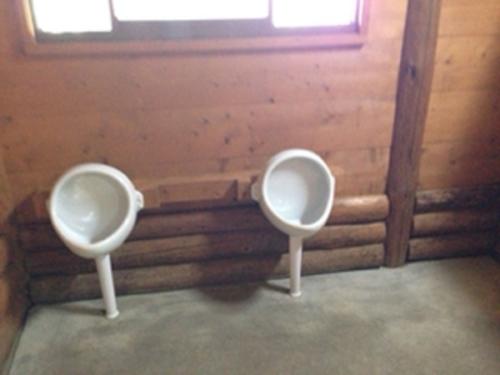 漁礁カオスキャンプ場 の女子トイレにある子供用小便器