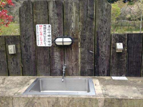 清和県民の森オートキャンプ場のサイト内の水場