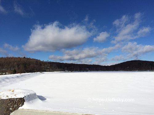 女神湖で氷上散歩