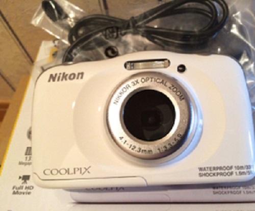 使っている防水カメラ防水カメラニコン COOLPIX S33WH
