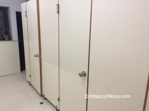 くるみ温泉キャンプ場女性用トイレ入口