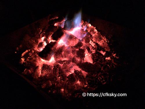 キャンピカ明野ふれあいの里ログキャビン・ロフトで焚き火キャンプ