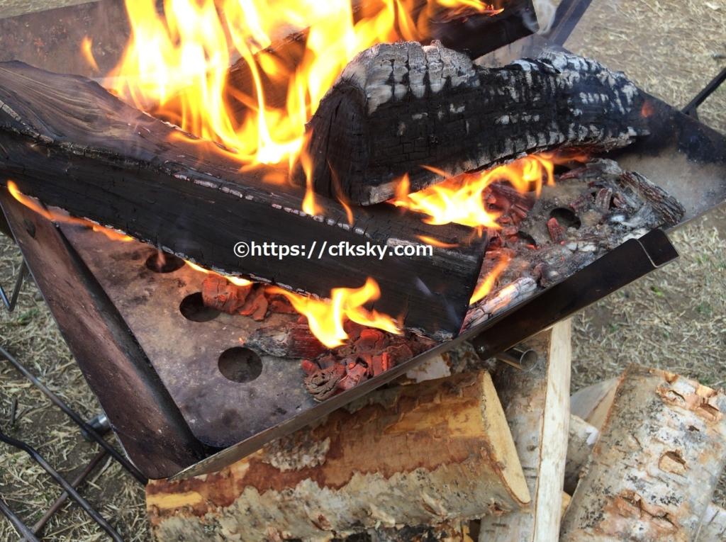 キャンプで世界一の薪を使って焚き火を楽しんでみた