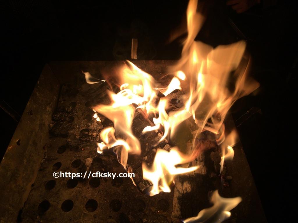母子キャンプで焚き火