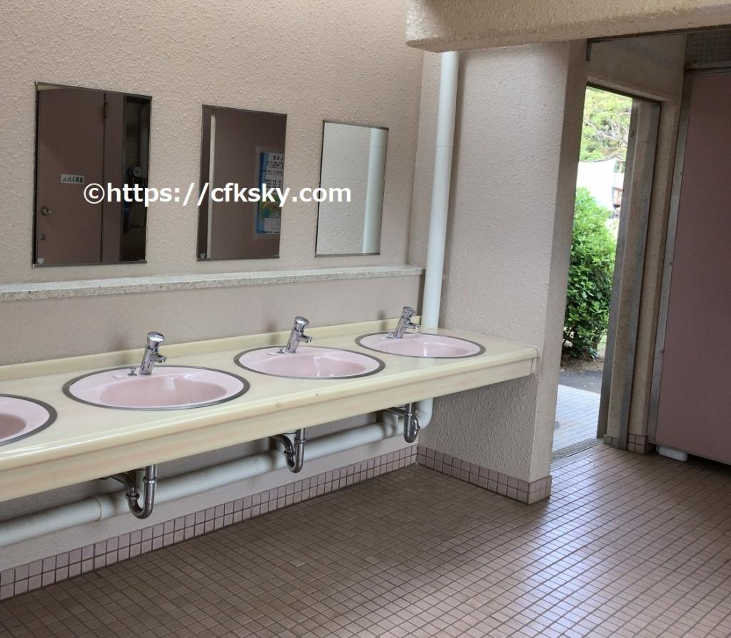 若洲公園キャンプ場のトイレ手洗い場