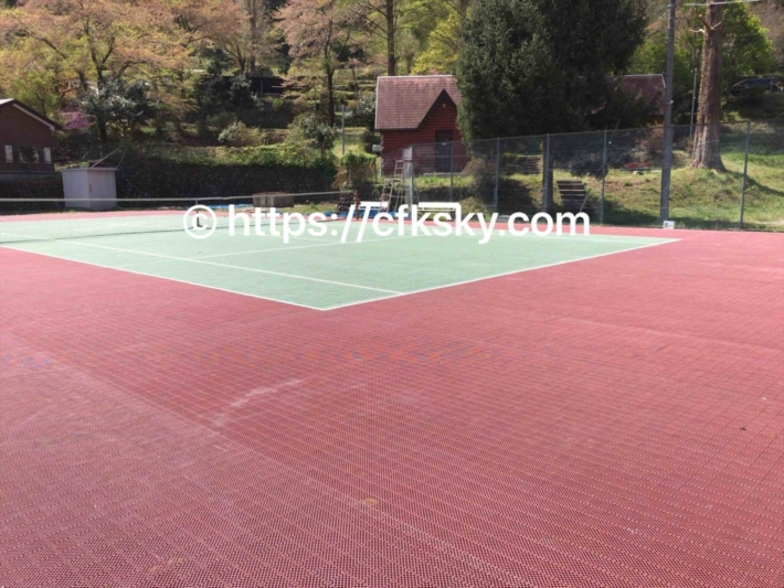 青根キャンプ場にあるテニスコート