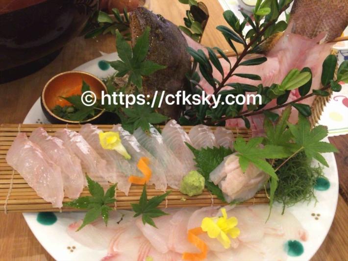 魚半での夕食刺身盛り合わせ