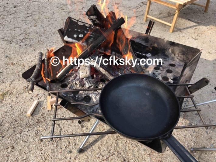 上野沼やすらぎの里キャンプ場での夕食準備