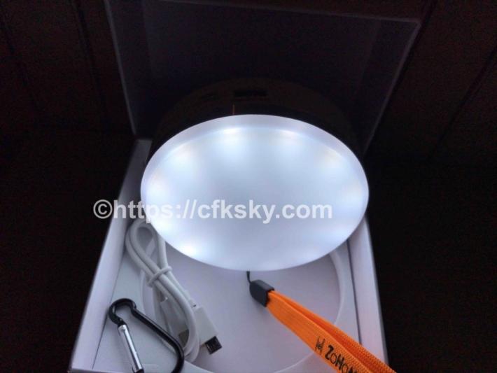 キャンプで使う充電式LEDランタンの昼白色