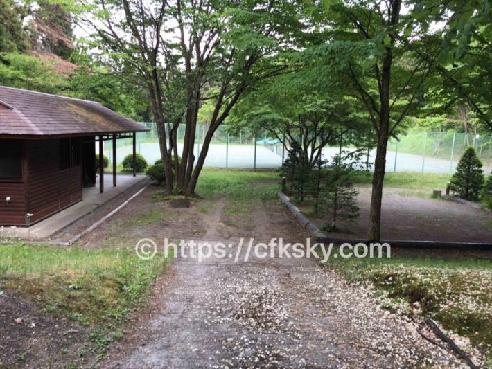 あづま森林公園キャンプ場オートサイト通路
