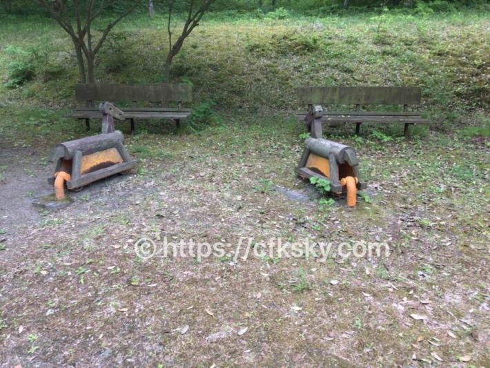 あづま森林公園キャンプ場の公園にある遊具