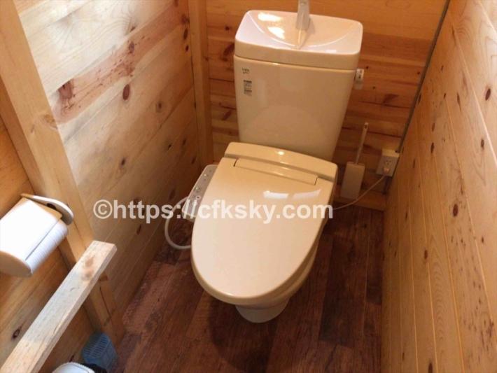 かもしかオートキャンプ場にある土足禁止のトイレ個室