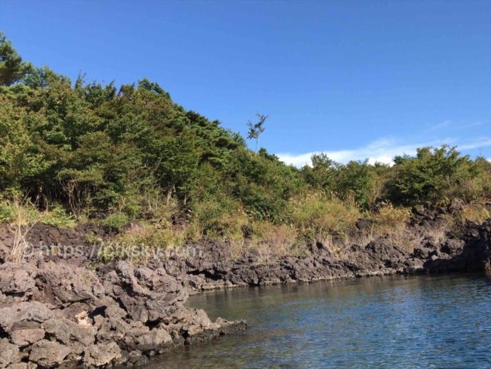 本栖湖で漕いで溶岩帯へ行った