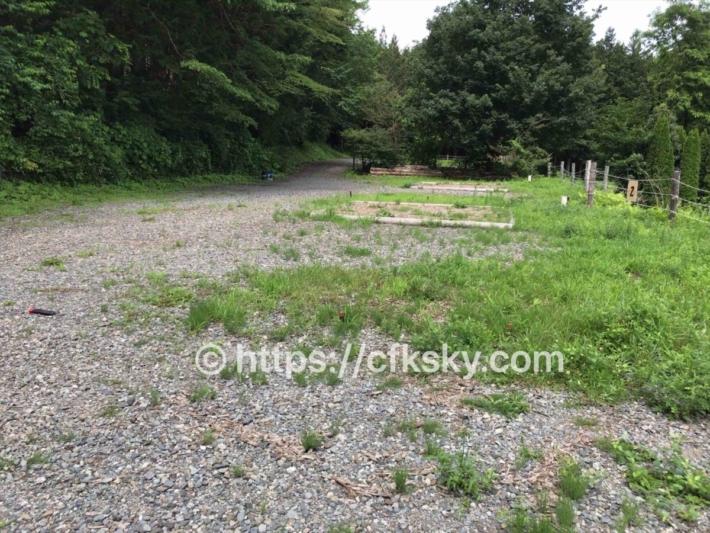 和みの里オートキャンプ場中段サイト状況