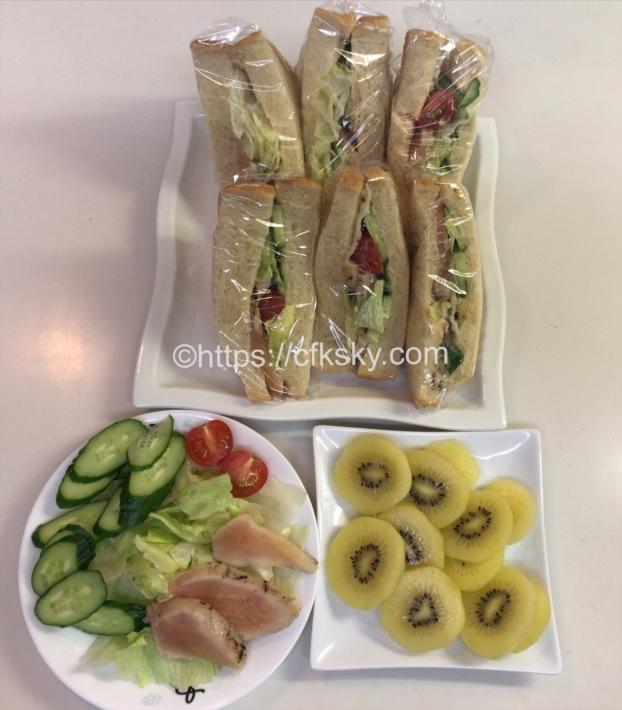キャンプでも使える食材を使ってサンドイッチをつくっておうちランチの完成