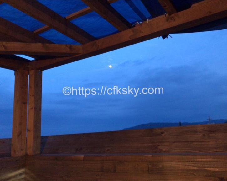 宇佐美城山公園キャンプ場の展望風呂からみえる夜空
