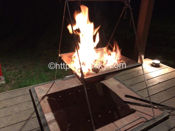 PICA Fujiyamaのテントサイトで楽しんだキャンプでの焚き火