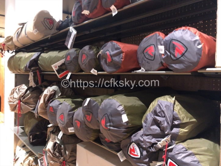 アルペンマウンテンズに行ってみたらキャンプつかうテントがたくさんあった