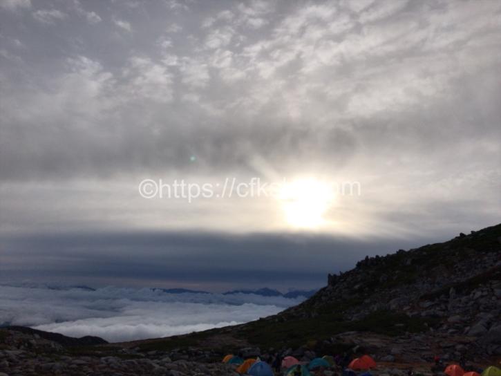 6時39分の頂上山荘からみた東の空