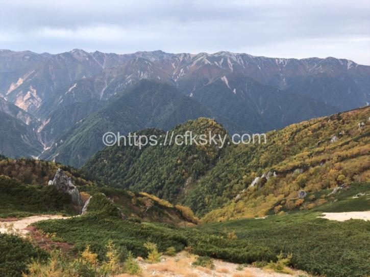 絶景すぎる燕山荘からの眺め
