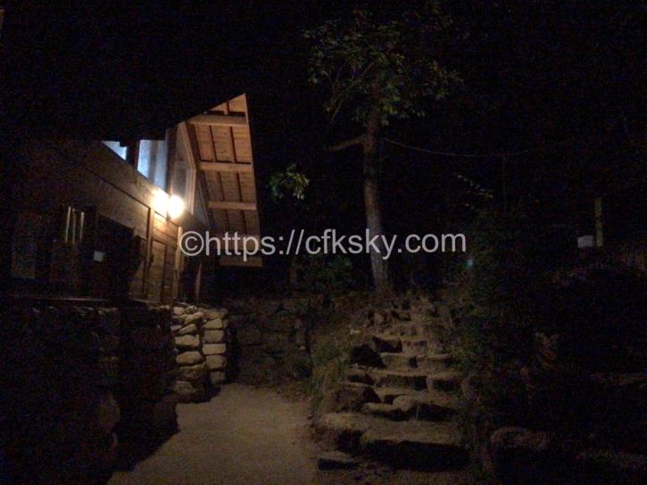 燕岳の登山口にある中房のトイレ