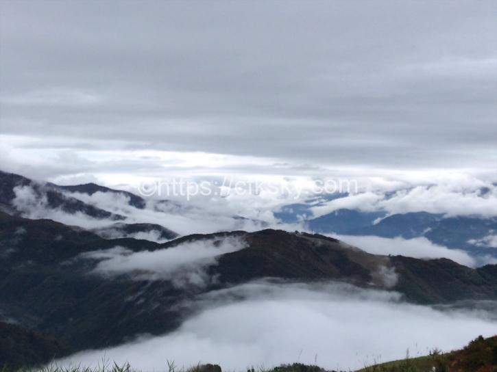 唐松岳頂上山荘でキャンプするはずが雪でキャンプができなかった