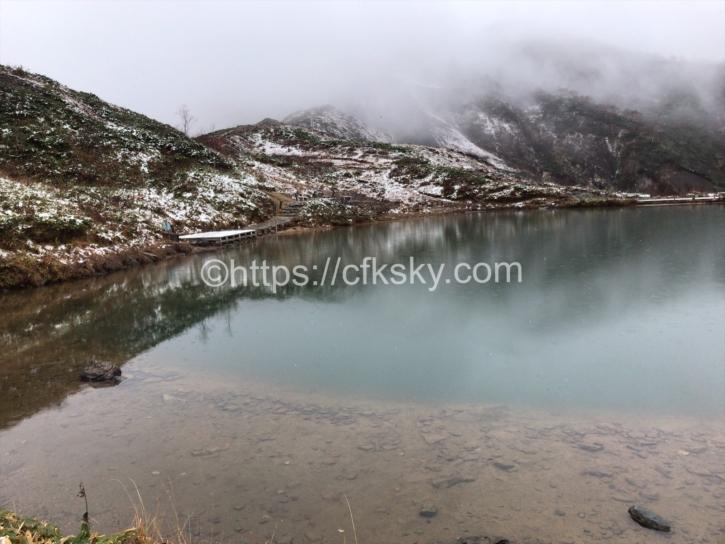 雪が降った八方池