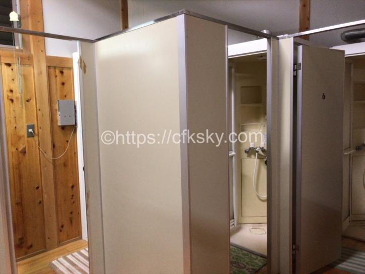 シャワー室入口