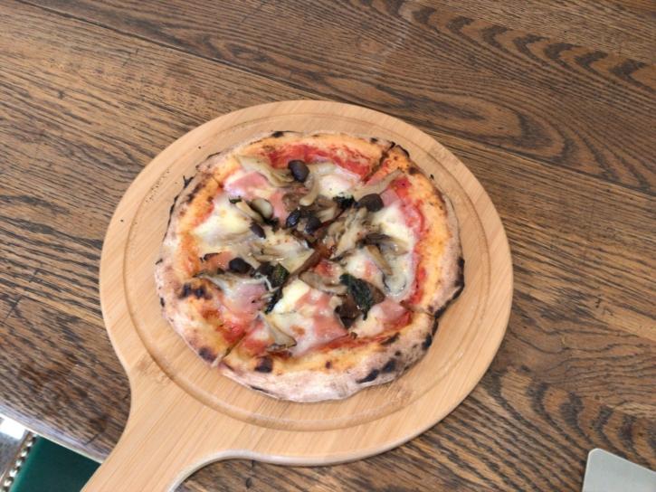 徳澤園オリジナル釜焼きピザ