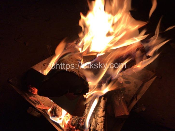 筑波山へナイトハイクへ行って筑波ふれあいの里キャンプで楽しんだ焚火