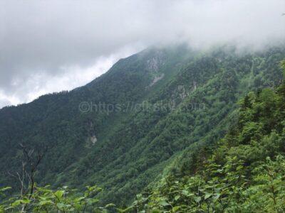 キャンプと一緒に楽しむ登山で憧れの穂高連峰へ最初の一歩は西穂独標へ