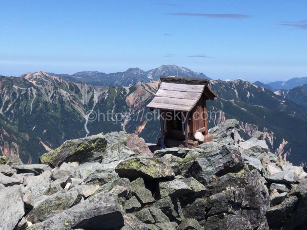 槍ヶ岳山頂からみる絶景